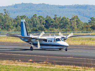 YR-XXC - Private Rockwell 690