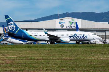 N585AS - Alaska Airlines Boeing 737-800