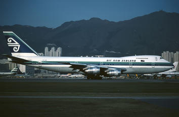 ZK-NZZ - Air New Zealand Boeing 747-200