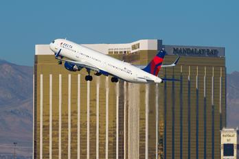 N353DN - Delta Air Lines Airbus A321