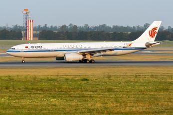 B-6102 - Air China Airbus A330-300