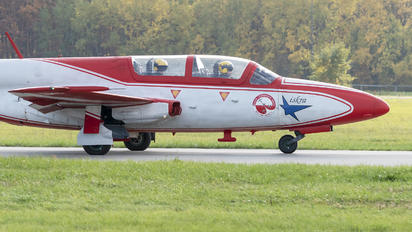 3H 2006 - Poland - Air Force: White & Red Iskras PZL TS-11 Iskra