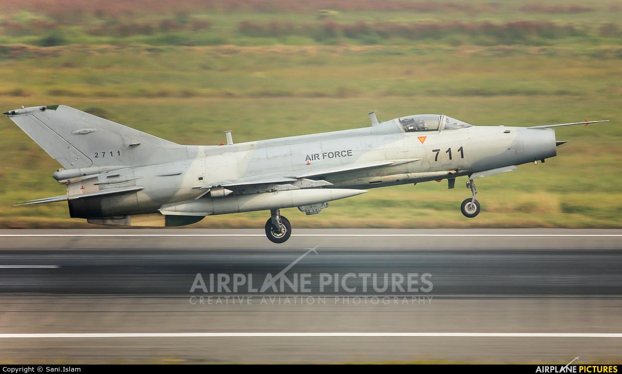 Bangladesh - Air Force 2711 aircraft at Dhaka - Hazrat Shahjala Intl