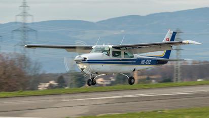 HB-CHZ - Private Cessna 210 Centurion
