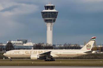 A6-ETO - Etihad Airways Boeing 777-300ER
