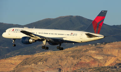 N673DL - Delta Air Lines Boeing 757-200