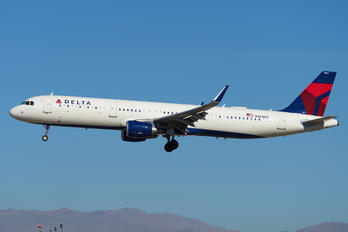 N364DX - Delta Air Lines Airbus A321