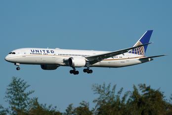 N24972 - United Airlines Boeing 787-9 Dreamliner