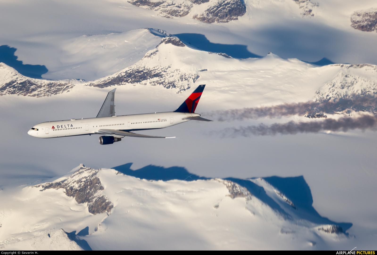 Delta Air Lines N842MH aircraft at In Flight - Greenland