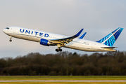 N676UA - United Airlines Boeing 767-300ER aircraft