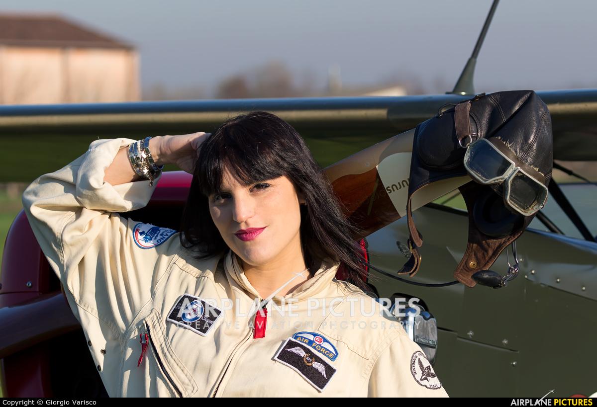 - Aviation Glamour - aircraft at Calvisano