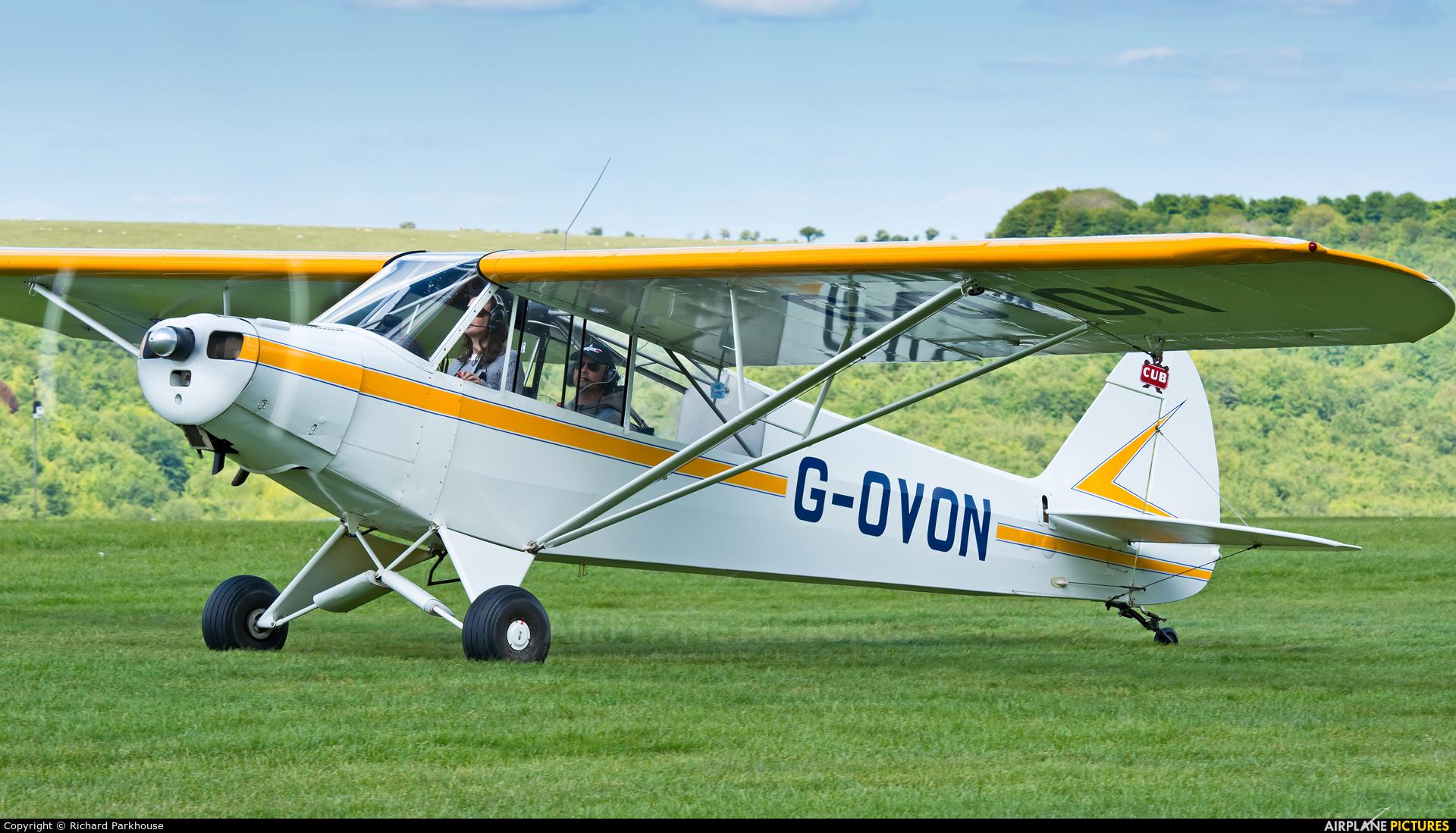 Private G-OVON aircraft at Compton Abbas