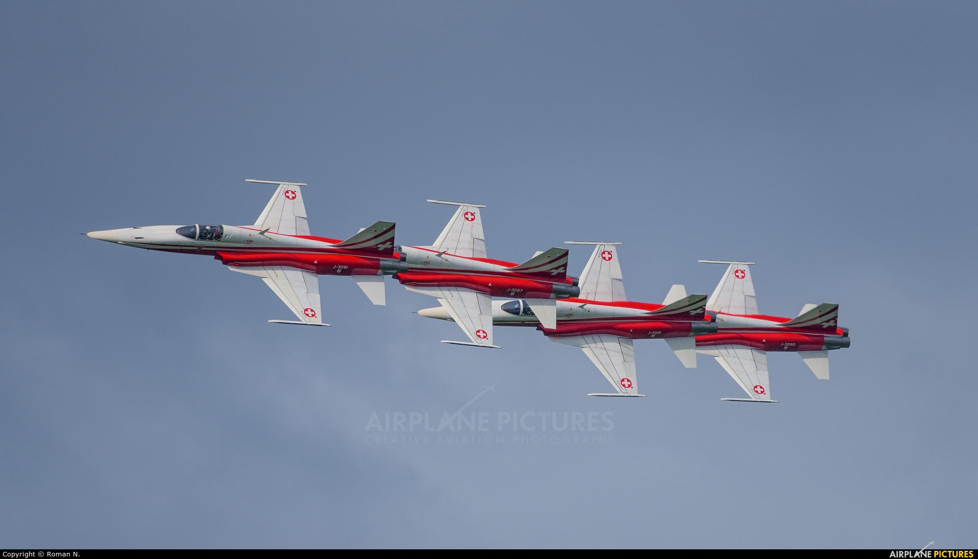 Switzerland - Air Force:  Patrouille de Suisse - aircraft at Zeltweg