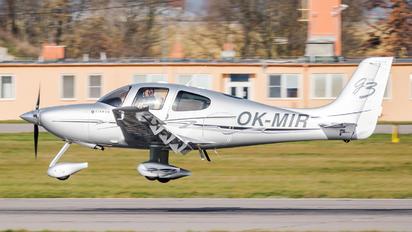 OK-MIR - Private Cirrus SR22