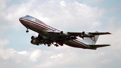 N9672 - American Airlines Boeing 747-100F