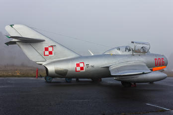 SP-YNZ - Unknown PZL SBLim-2
