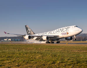 HS-TGW - Thai Airways Boeing 747-400