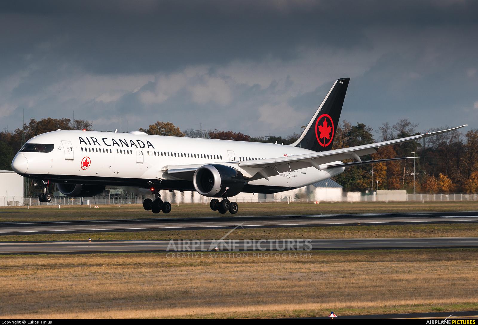 Air Canada C-FSBV aircraft at Frankfurt