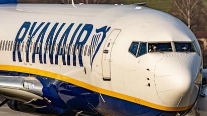 SP-RSM - Ryanair Sun Boeing 737-8AS