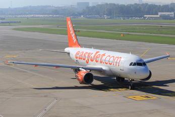OE-LQZ - easyJet Airbus A319