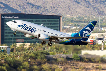 N619AS - Alaska Airlines Boeing 737-700