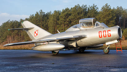 SP-YNZ - Polish Eagles Foundation PZL SBLim-2