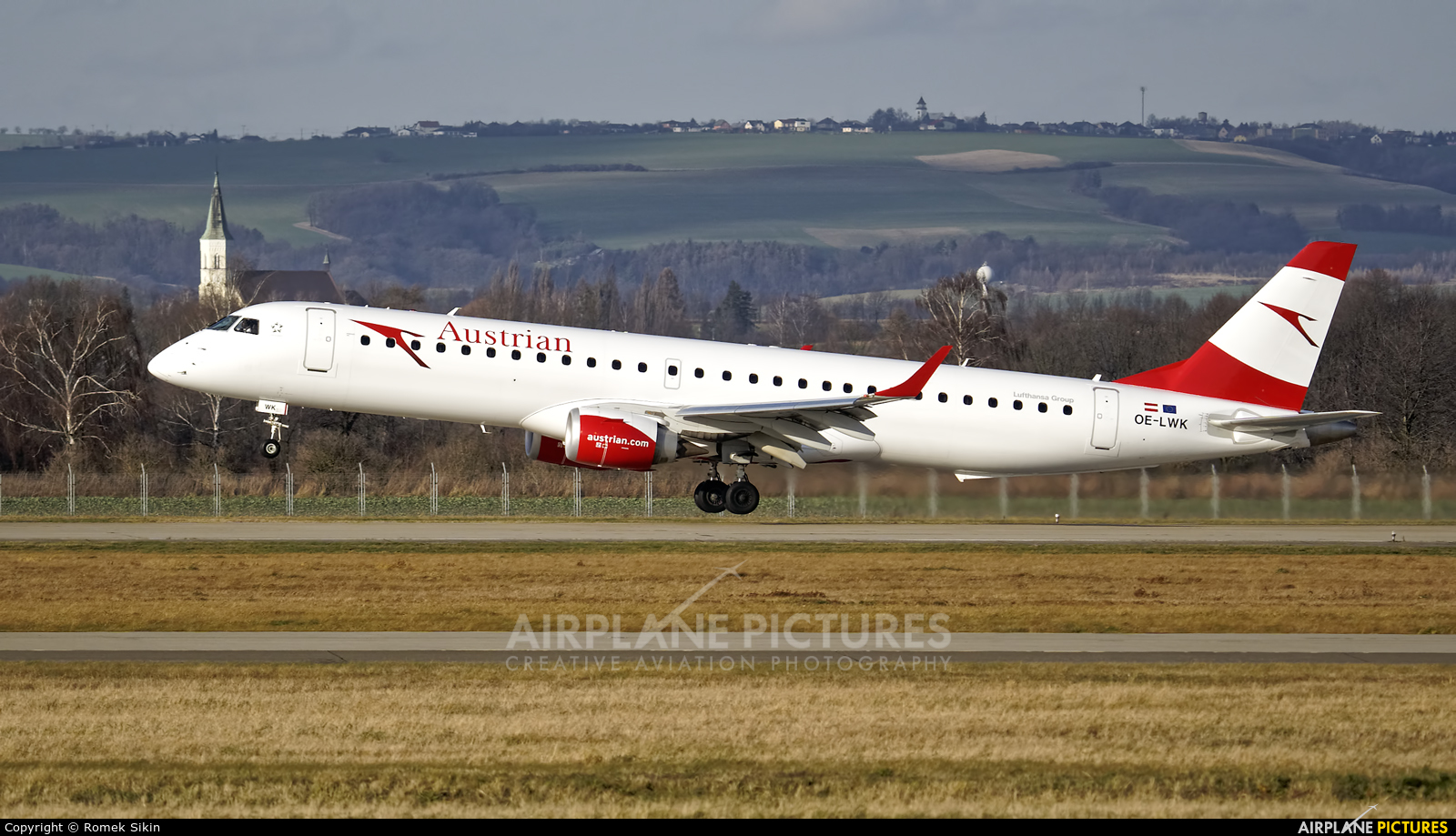 Austrian Airlines/Arrows/Tyrolean OE-LWK aircraft at Ostrava Mošnov