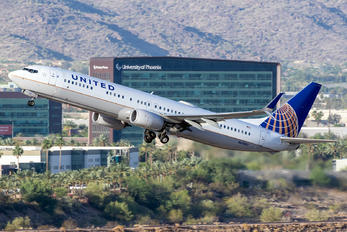 N61882 - United Airlines Boeing 737-900