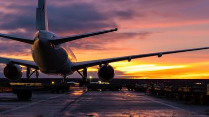 VP-BLI - Iraero Boeing 777-200ER