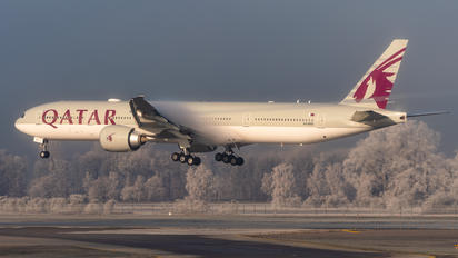 A7-BEE - Qatar Airways Boeing 777-300ER