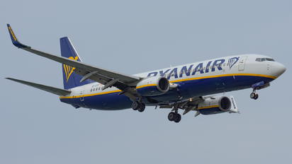 EI-DYF - Ryanair Boeing 737-800