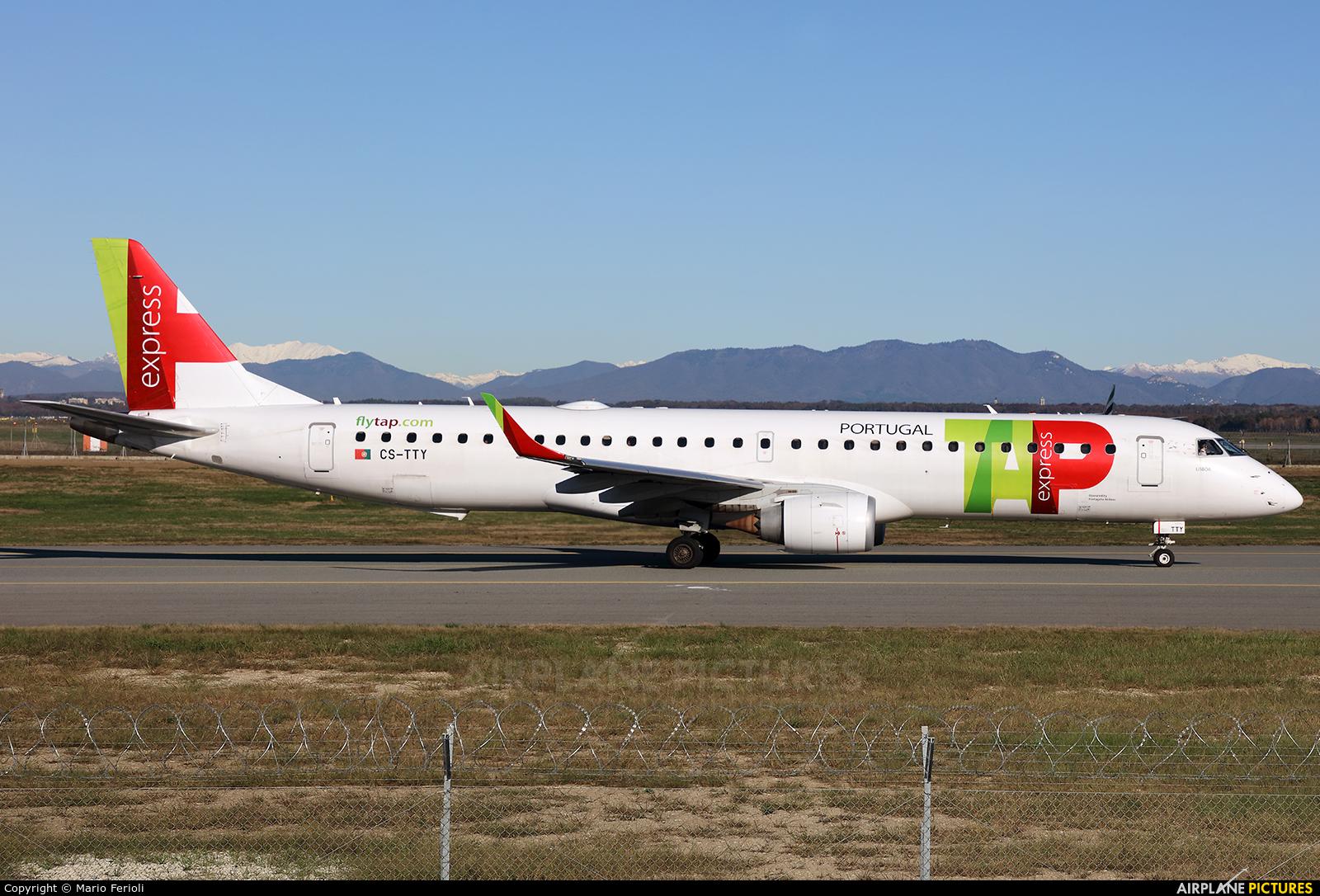 TAP Express CS-TTY aircraft at Milan - Malpensa