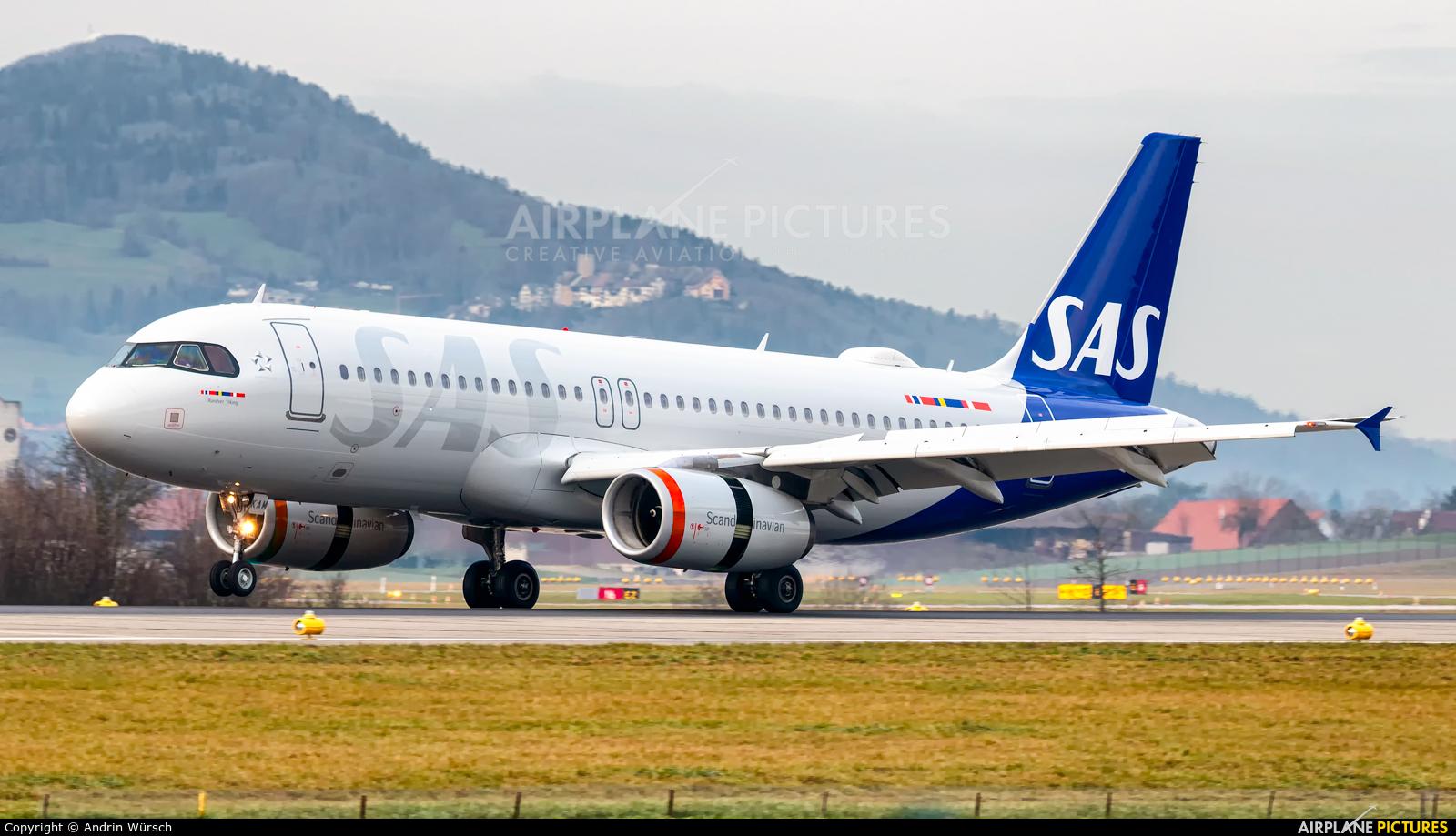 SAS - Scandinavian Airlines OY-KAM aircraft at Zurich