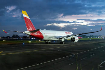 EC-MYX - Iberia Airbus A350-900