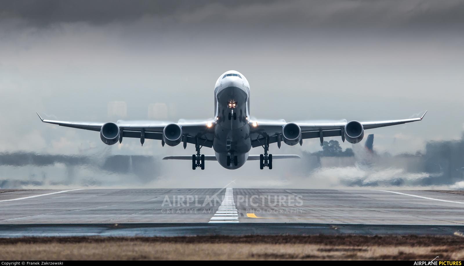 Lufthansa D-AIHW aircraft at Frankfurt