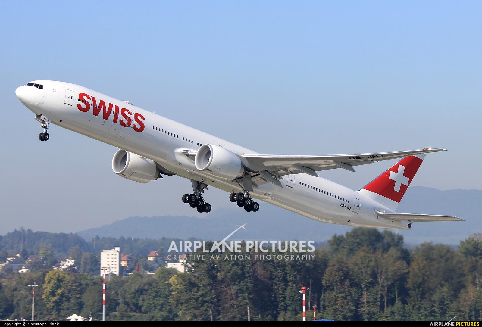 Swiss HB-JNJ aircraft at Zurich