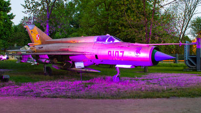 9107 - Poland - Air Force Mikoyan-Gurevich MiG-21MF