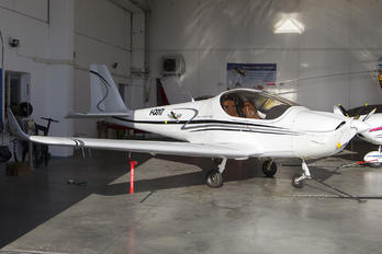 I-C017 - Private Skyleader Skyleader 600