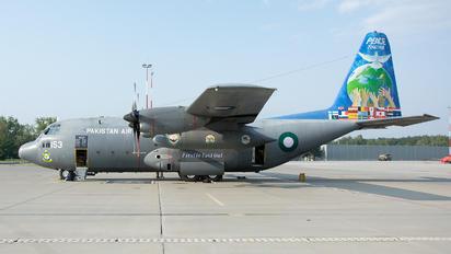4153 - Pakistan - Air Force Lockheed C-130E Hercules