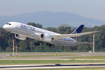 N26906 - United Airlines Boeing 787-8 Dreamliner