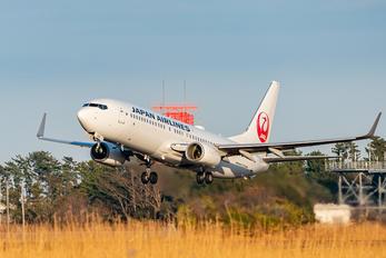 JA326J - JAL - Japan Airlines Boeing 737-800