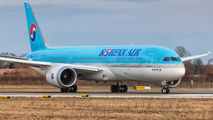 HL8083 - Korean Air Boeing 787-9 Dreamliner aircraft