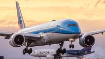 KLM PH-BHD image