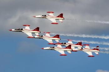 69-4005 - Turkey - Air Force : Turkish Stars Canadair NF-5B