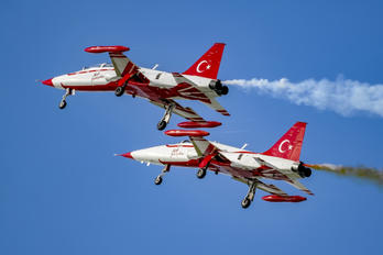 71-4021 - Turkey - Air Force : Turkish Stars Canadair NF-5A