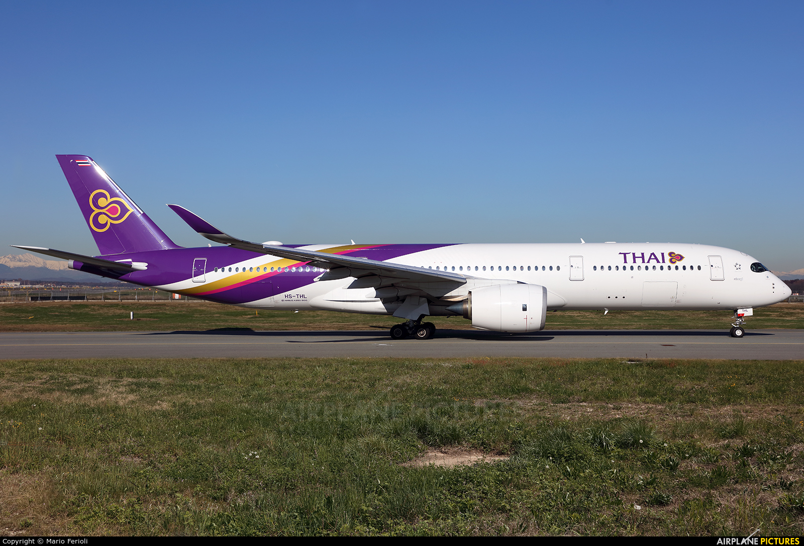 Thai Airways HS-THL aircraft at Milan - Malpensa