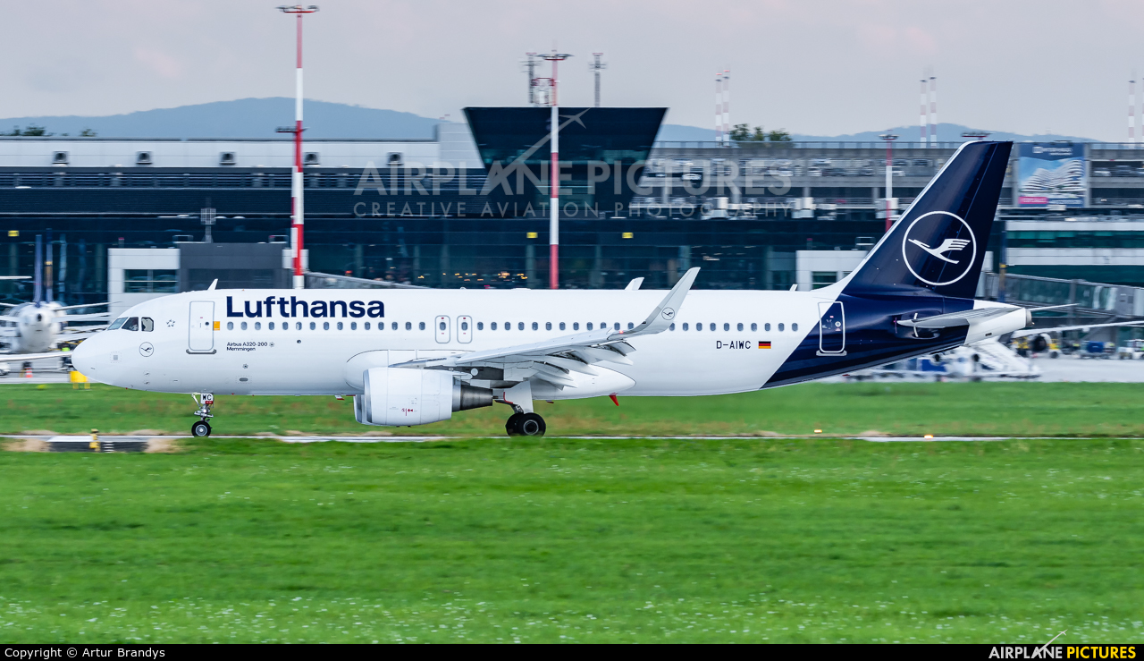 Lufthansa D-AIWC aircraft at Kraków - John Paul II Intl