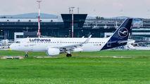 D-AIWC - Lufthansa Airbus A320 aircraft