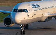 D-AIDO - Lufthansa Airbus A321 aircraft