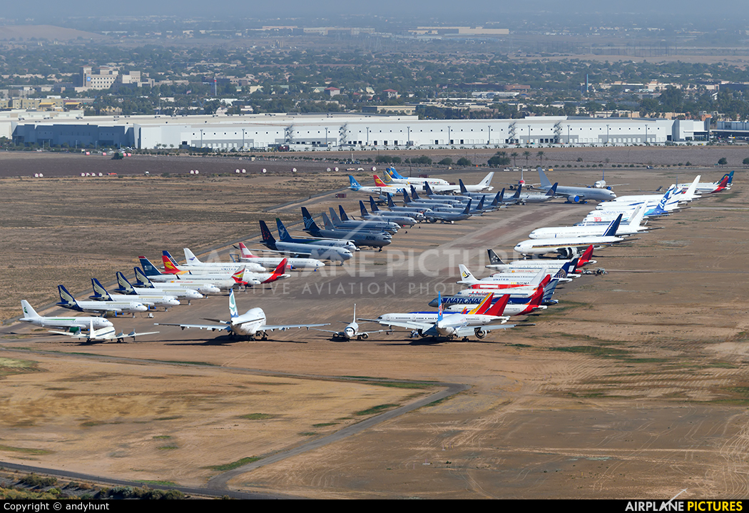 - Airport Overview - aircraft at Phoenix - Goodyear
